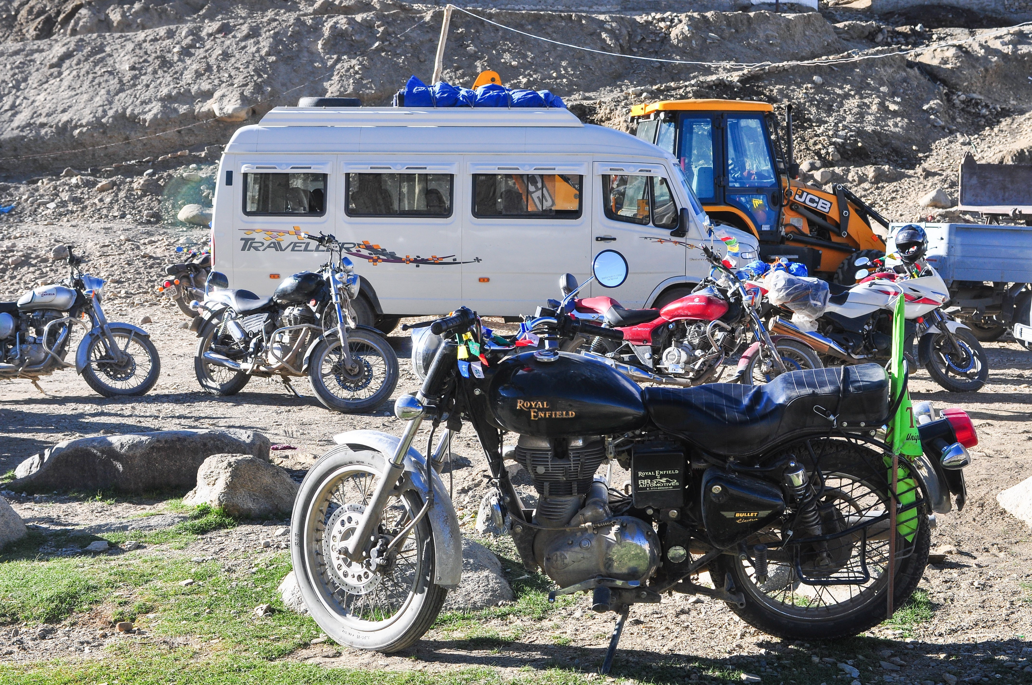 India motorcycle tours with Motoasia. Ride the highest motorable roads in the world, amongst North India Himalayan mountains with our adventure tour.