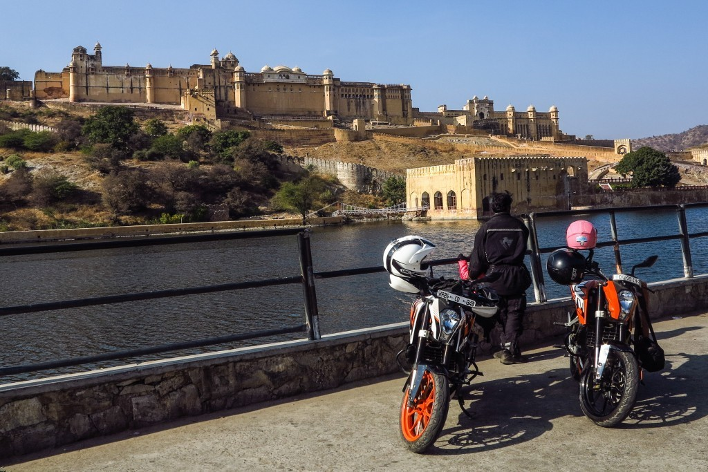 India motorcycle tour around the ancient forts of Rajasthan