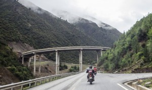 China motorcycle tour headed towards Yunnan province
