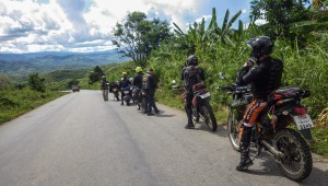 Myanmar motorcycle tour to the China border